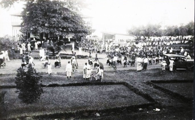 Mau_demonstration_in_Apia_1929